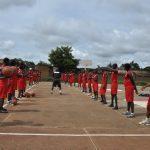Una de las pistas deportivas de la escuela | Imagen cedida