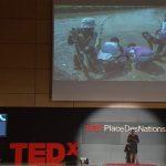 Beatrice Ayuru durante la conferencia TED pronunciada en Ginebra en diciembre de 2014